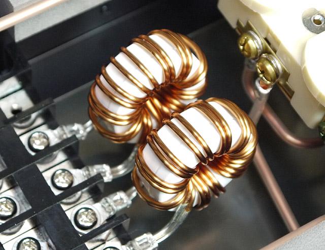 センダストトロイダルコア採用オーディオ・ビジュアル・ピュア電源フィルター
