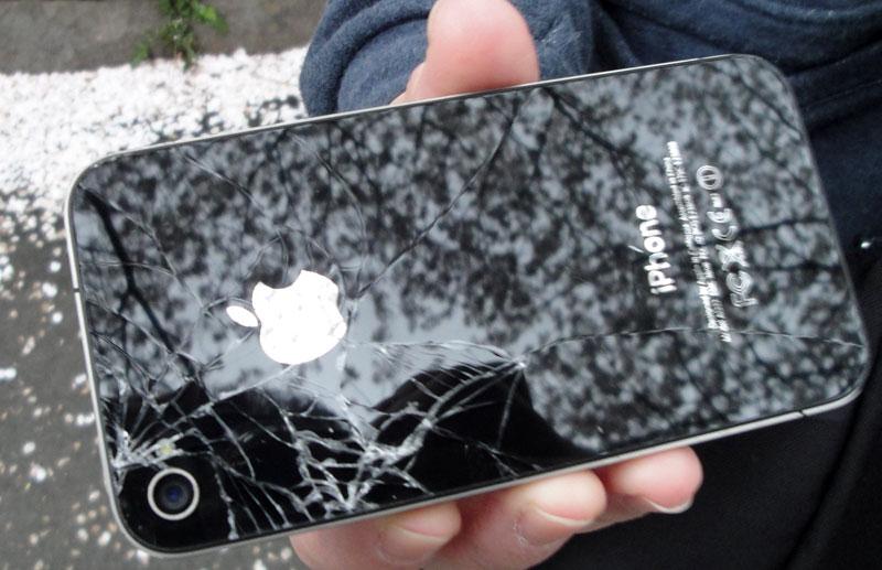 iPhone4背面ガラス割れ
